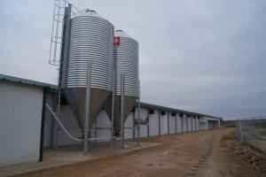 silos---naves-de-reproductoras-en-ejea-de-los-caballeros 26340053491 o